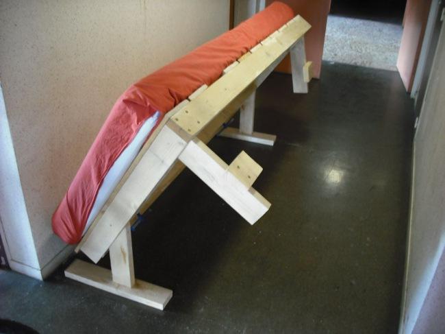Как сделать откидную кровать своими руками видео